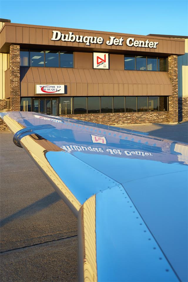Dubuque Jet Center Kdbq